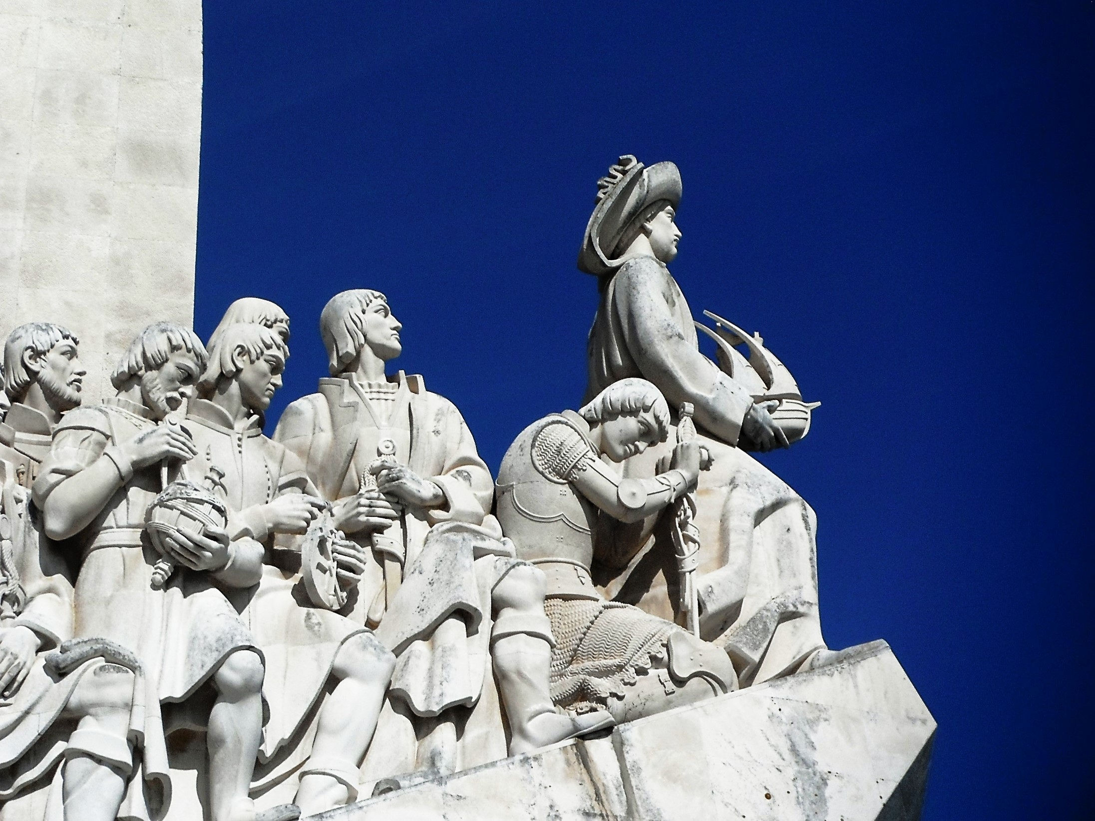 lisbon-monument-to-the-discoveries-portugal-explorers