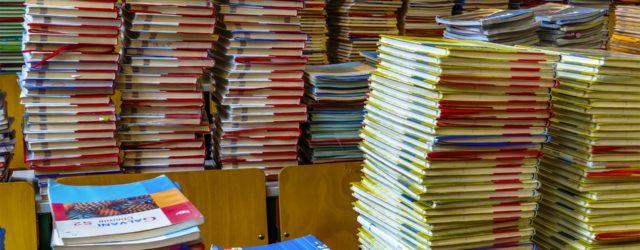 books-2547179_1920